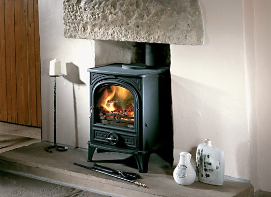 british stoves kaminofen 500 f r holz gas und gas ohne kaminanschluss. Black Bedroom Furniture Sets. Home Design Ideas