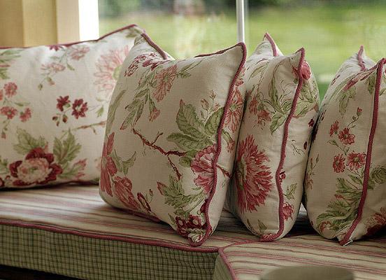 british stoves interiors stoffe tapeten fu b den. Black Bedroom Furniture Sets. Home Design Ideas